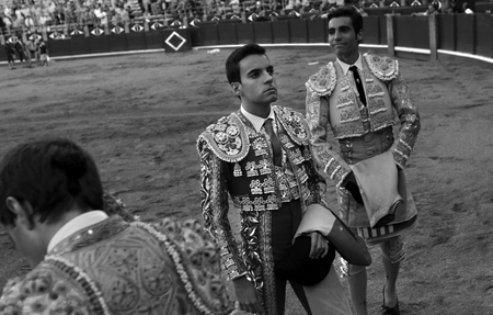 The bullfighter acknowledges the jury's decision.