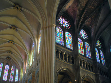 Cleaning and restoration in progress at Cathédrale Notre-Dame de Chartres